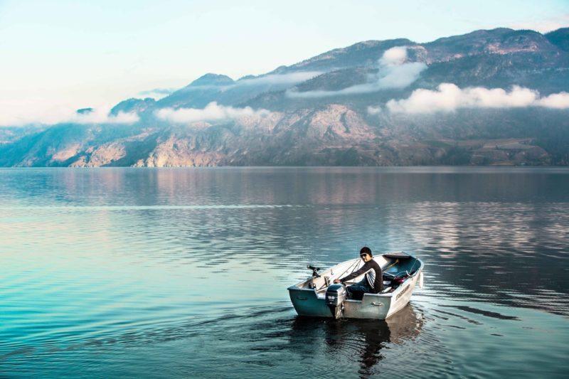 Positive Travel Guide BC BOAT ON Okanagan Lake
