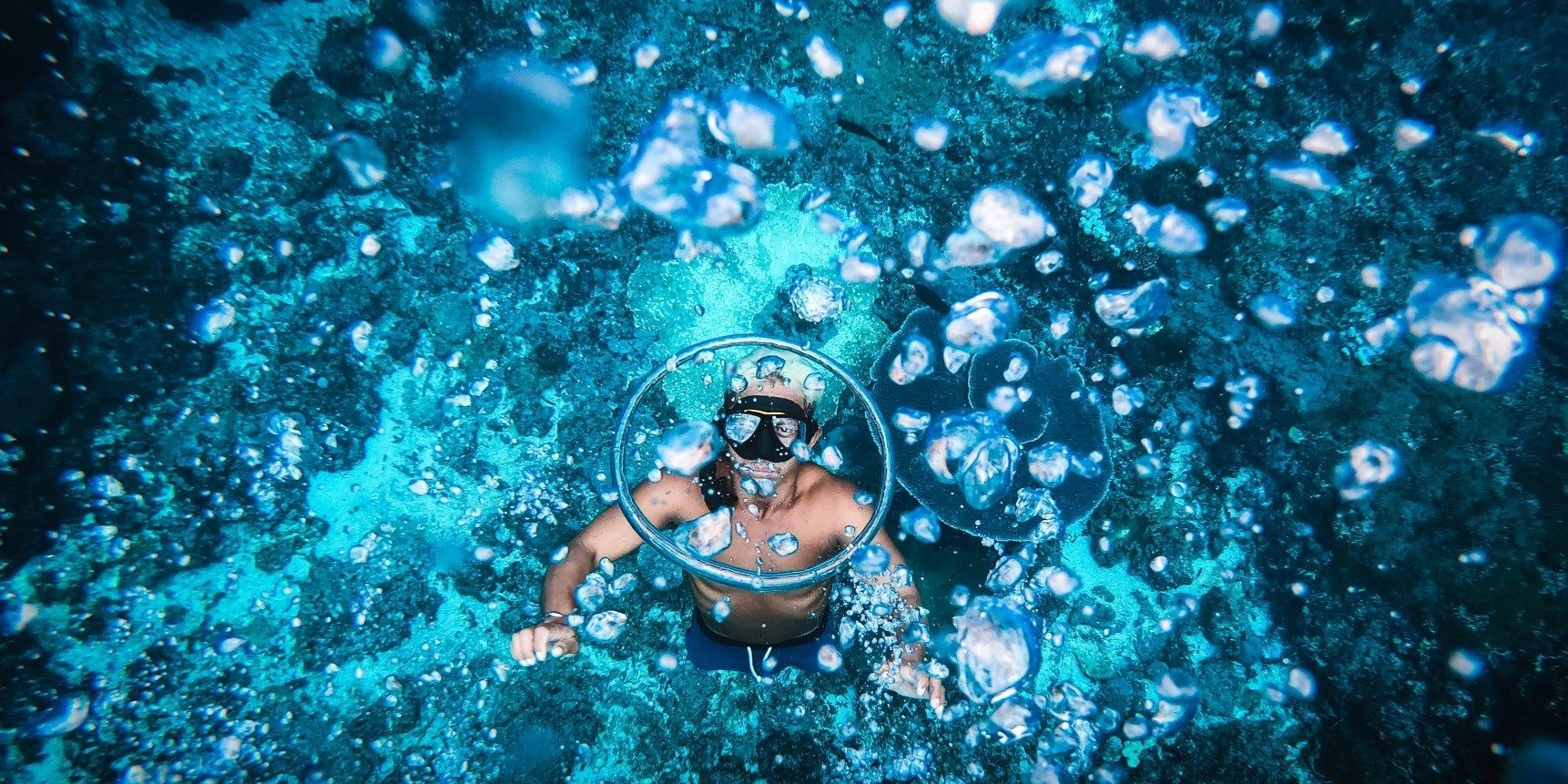 underwater-world_t20_oR0obe